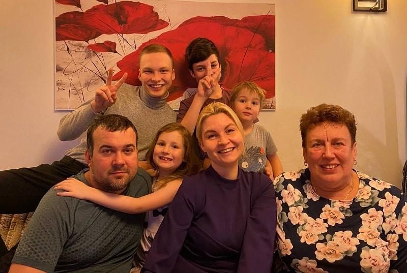 Мать четырёх русскоязычных детей: Оставьте нам наш родной язык