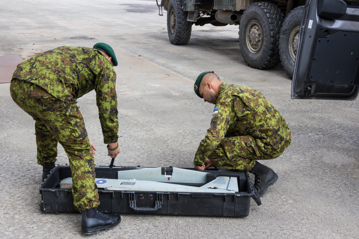 Три команды беспилотников Сил обороны помогут Литве в отражении гибридной атаки
