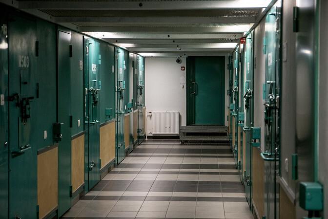 Семеро заключенных Вируской тюрьмы по-прежнему отказываются от тюремной пищи