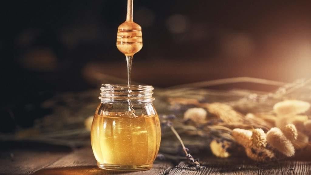 Полезен ли мёд? Можно ли заменить сахар на мёд без вреда для здоровья? Мнение диетолога
