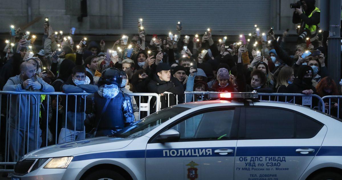 Похитители координатора штаба Навального вырезали ей на руке букву «Н»