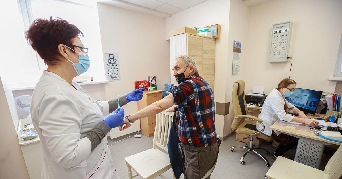 Небольшой спрос на вакцину в Ида-Вирумаа отправил дозы пылиться в шкафах