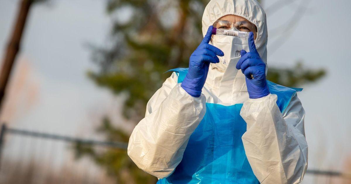 Из-за роста заболеваемости коронавирусом ждать очереди на тестирование приходится несколько дней