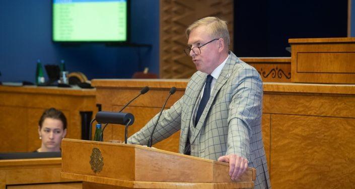 Вотум стал пшиком: националисты не смогли свалить главу Минобороны Эстонии