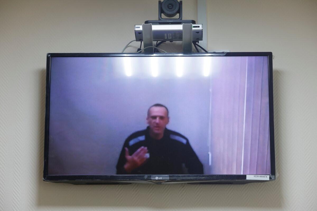 Навальный отказался от двух исков к администрации колонии в Покрове