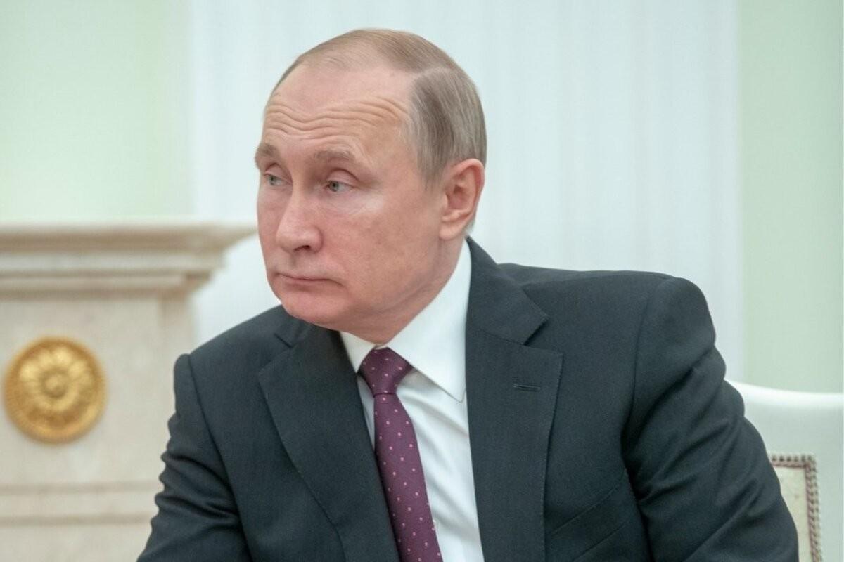 Путин сообщил, что должен уйти на самоизоляцию из-за COVID в окружении