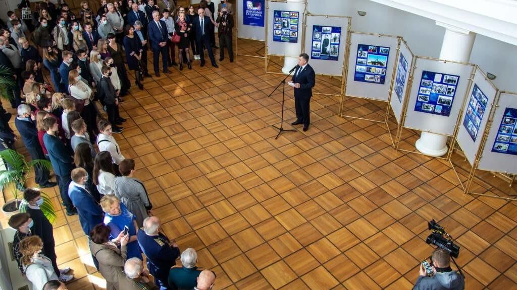 Дипломаты и соотечественники благодарят ДВМС за праздник в честь 60-летия полета в космос