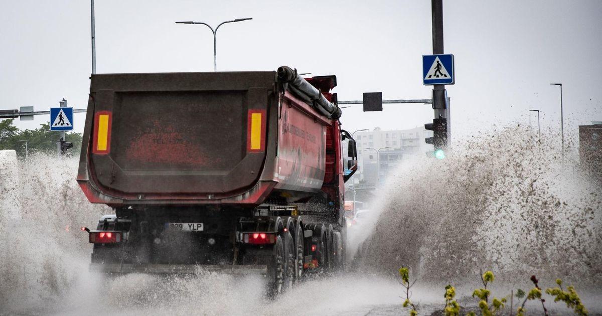 Ливень затопил улицы Таллинна