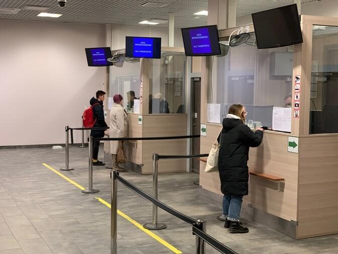 Лутсар: возвращающихся из России надо тестировать в обязательном порядке