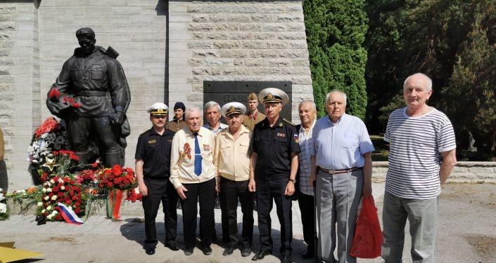 День памяти и скорби: на таллинском Военном кладбище прошла поминальная церемония