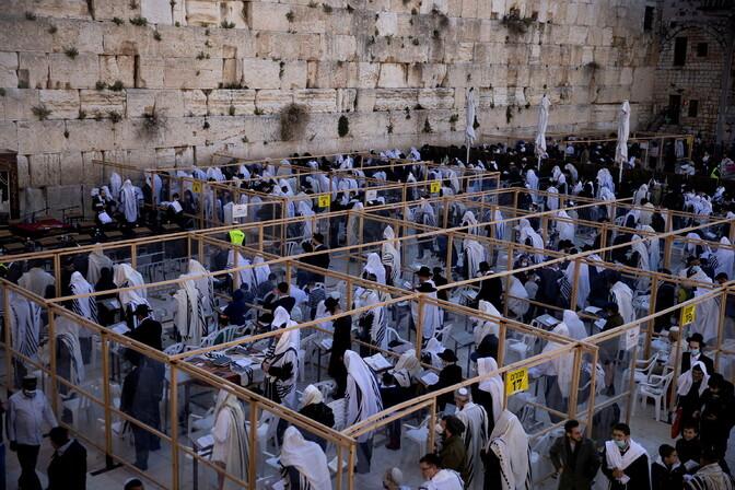 В Израиле празднуют Песах: у Стены плача прошла традиционная церемония благословения коэнов