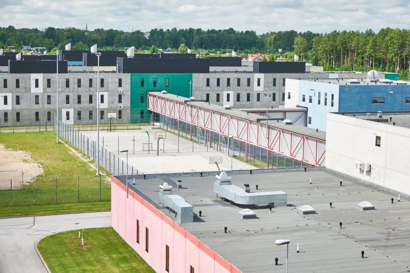 Заключенные Вируской тюрьмы: дуреем от жары и духоты, помогите!