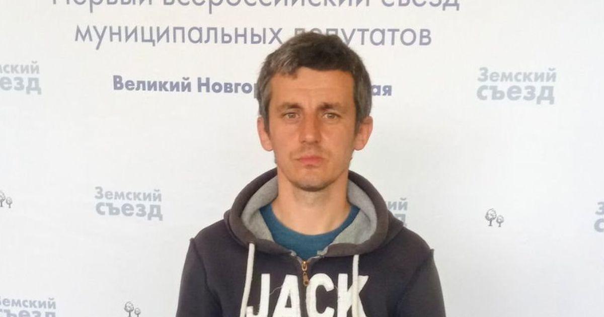 «У оппозиции нет вариантов, кроме как уходить в подполье». Липецкий депутат объяснил причину бегства из России
