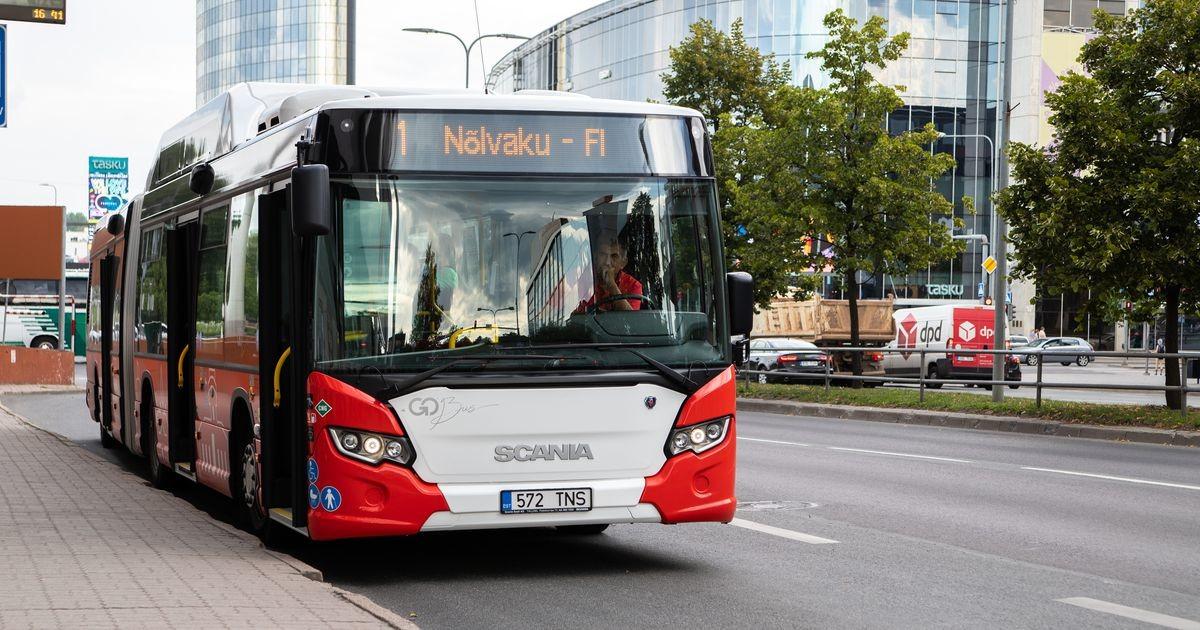 В тартуском автобусе нетрезвый мужчина приставал к 12-летней девочке и говорил непристойности