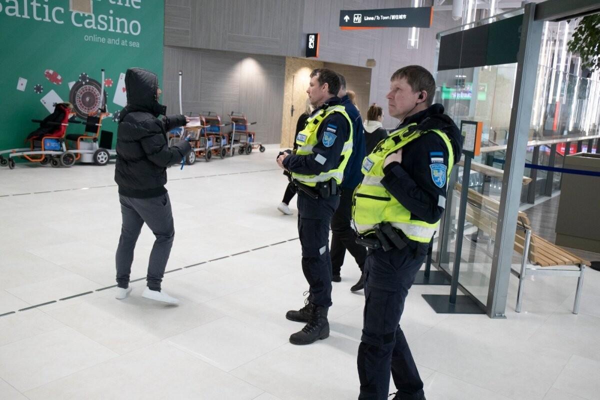 Полиция задержала в порту нелегального мигранта из Ирака и двух его подельников-контрабандистов