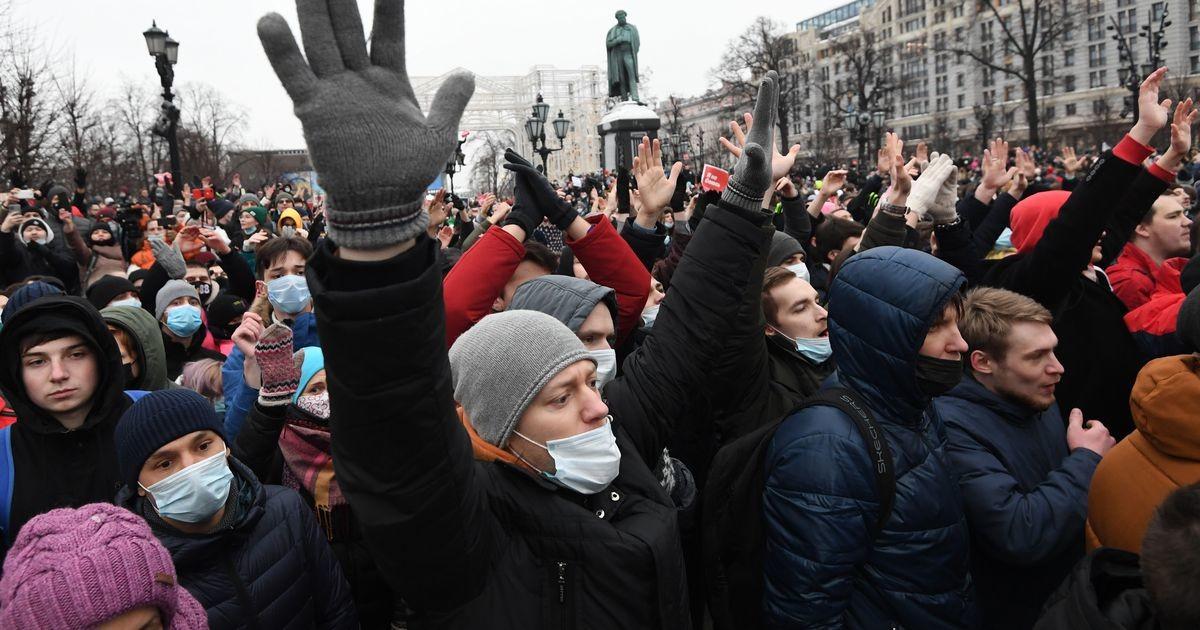 Флаги России, золотые ершики и власть, проигравшая вчистую