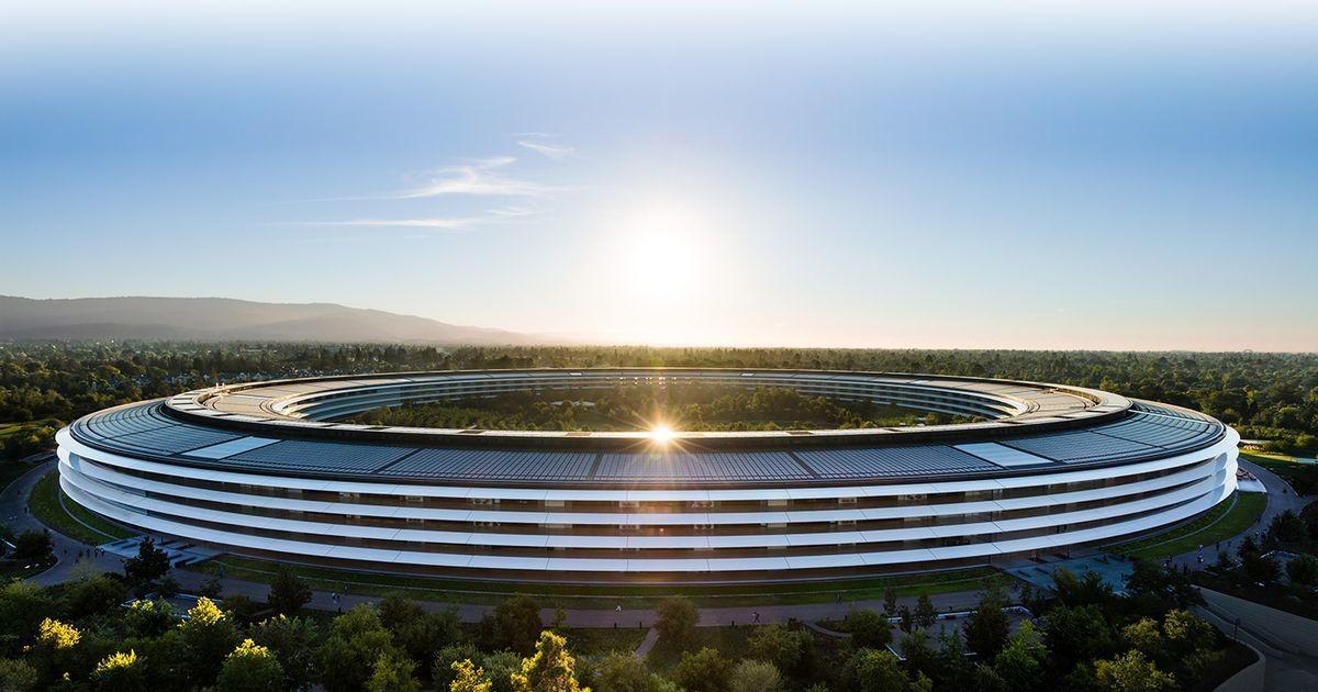 Сотрудники Apple угрожают уйти из компании, если им не разрешат работать из дома