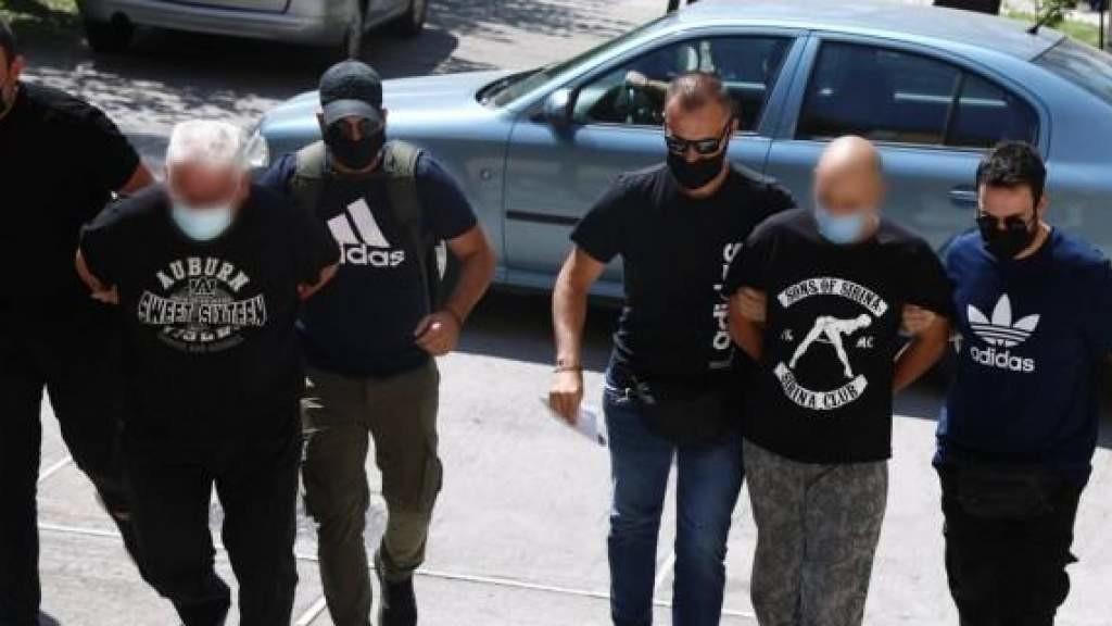 Полицейские Греции удерживали в сексуальном рабстве девушек