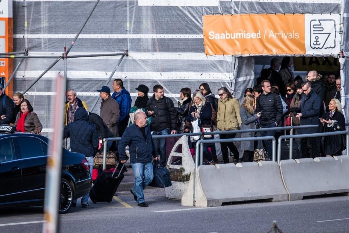Ситуация в Эстонии отпугивает туристов из Финляндии. Вместо Таллинна предпочтение отдается Стокгольму