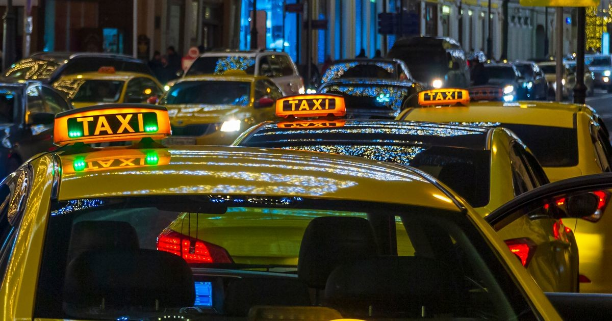 «Своя правда»: почему в классическом такси такие высокие цены?