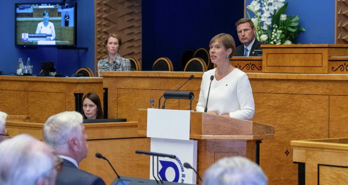 Керсти Кальюлайд предложила депутатам парламента увеличить себе зарплаты