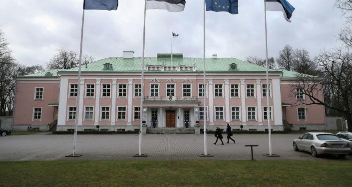 Носович: вероятный кандидат в президенты Эстонии не хочет идти на понижение