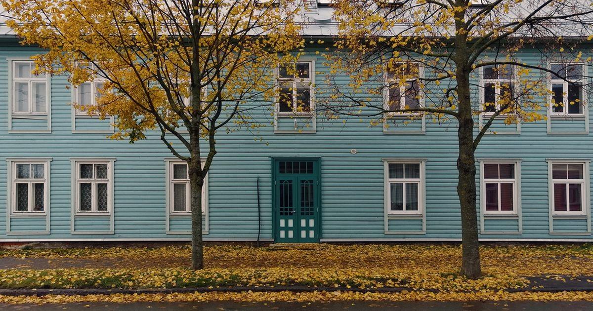 Может, еще ручек добавить? Объявление на двери в эстонском городке насмешило интернет
