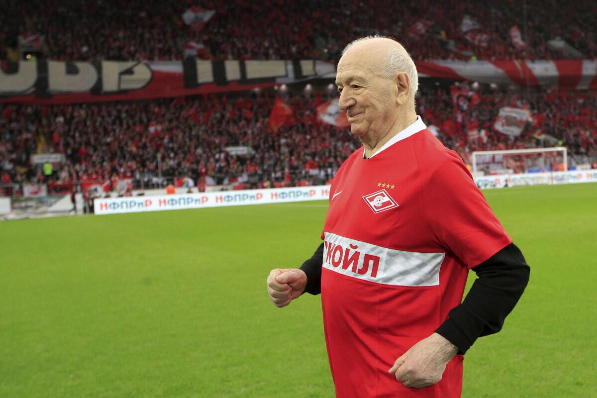 Последний из оставшихся в живых олимпийских чемпионов 1956 года по футболу празднует свое 95-летие