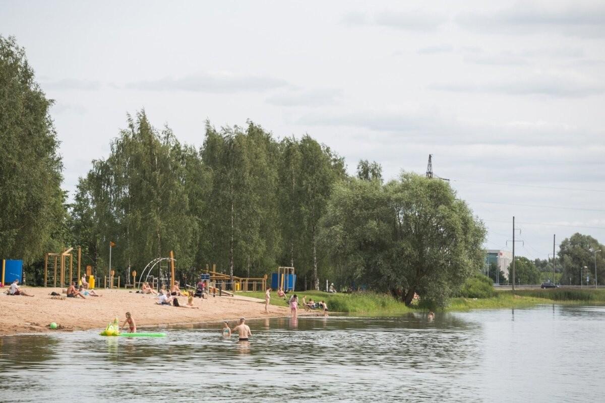 На пляже канала Анне в Тарту подняли красный флаг