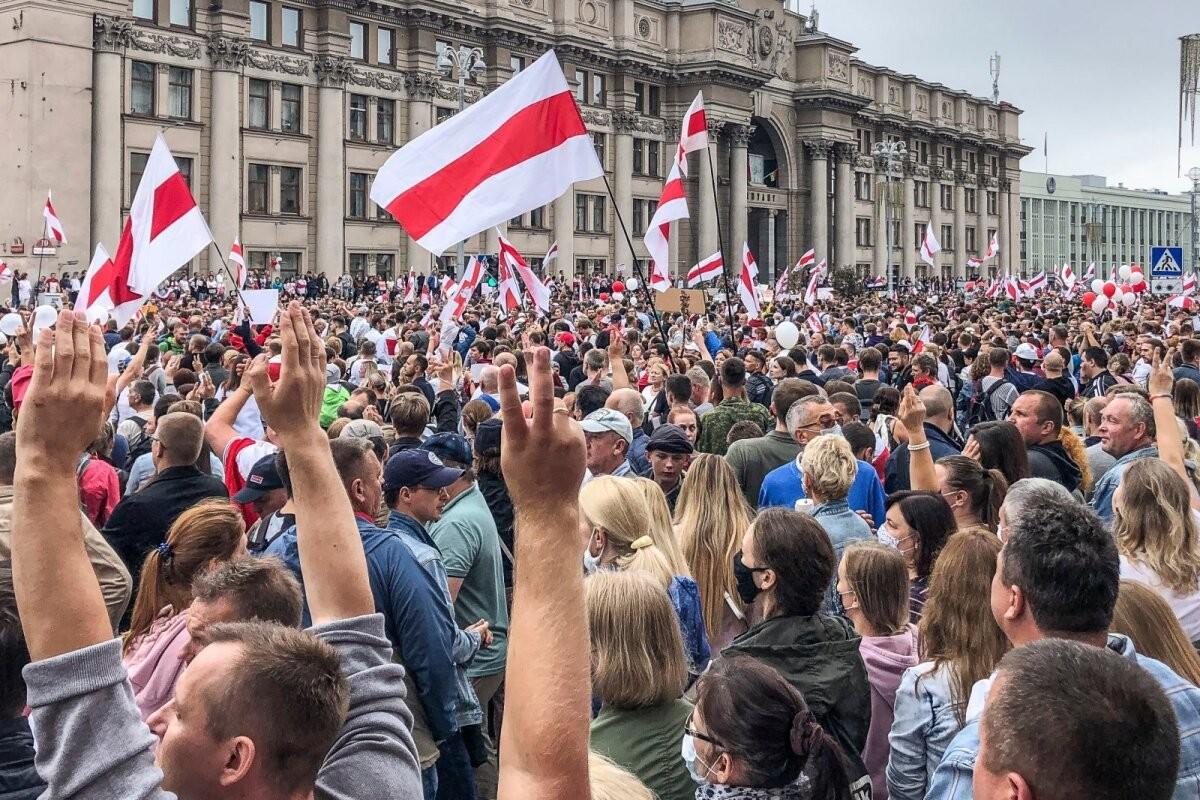 Пенсионерка, священник, блогер: кого власти Беларуси считают террористами?