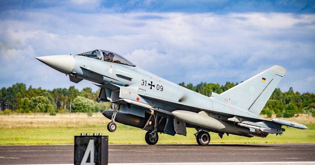 Истребители НАТО за неделю шесть раз сопроводили российские военные самолеты