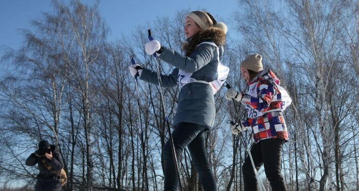 Власти Эстонии задумались об отмене температурного предела для уроков физкультуры