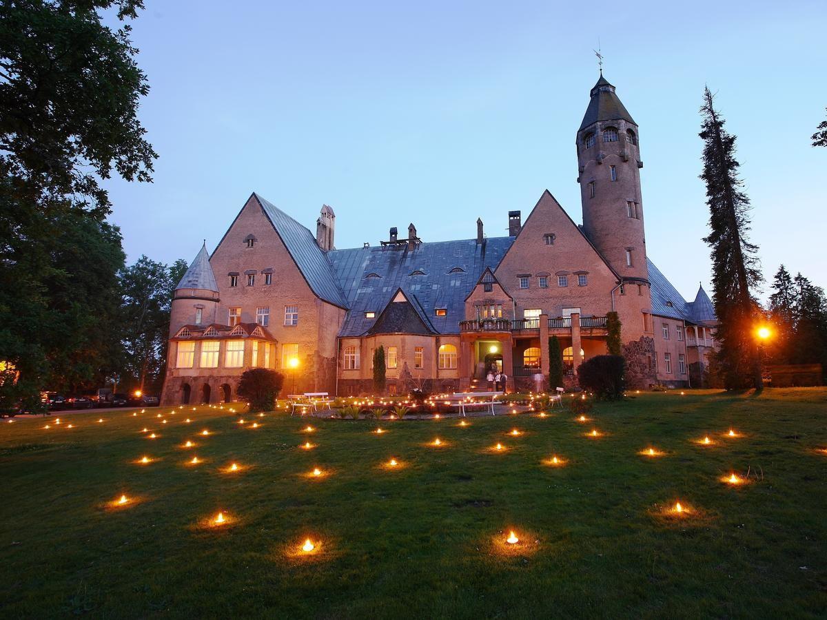 Локдаун со вкусом: 4 роскошных замка Эстонии, где можно остаться на ночь