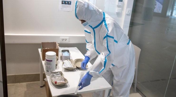 За сутки в Эстонии выявлено 1028 случаев заражения коронавирусом, умерли девять человек