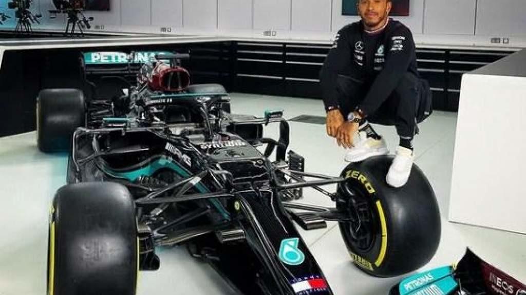Льюис Хэмилтон превзошел рекорд Шумахера по кругам лидирования в «Формуле-1»