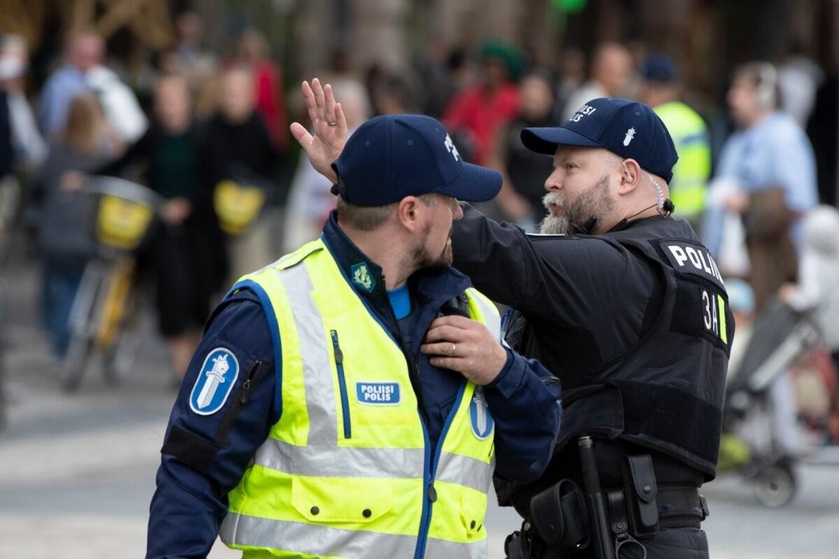 """Скандал в финской полиции: сотрудников уволили за поддержку украинского батальона """"Азов"""""""