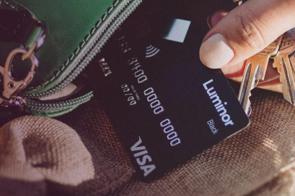 Luminor вывел на рынок новую гибкую платежную карточку