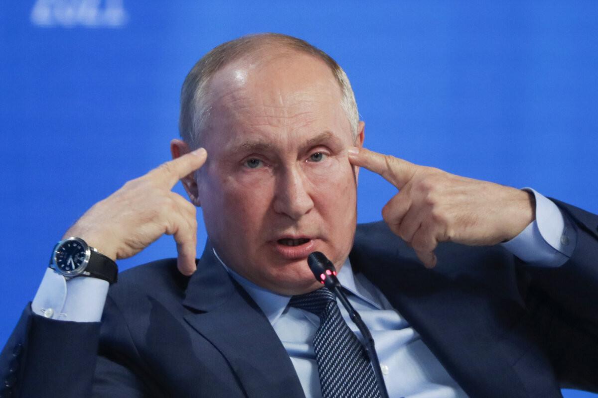 Путин назвал бредом обвинения в использовании Россией газа как оружия