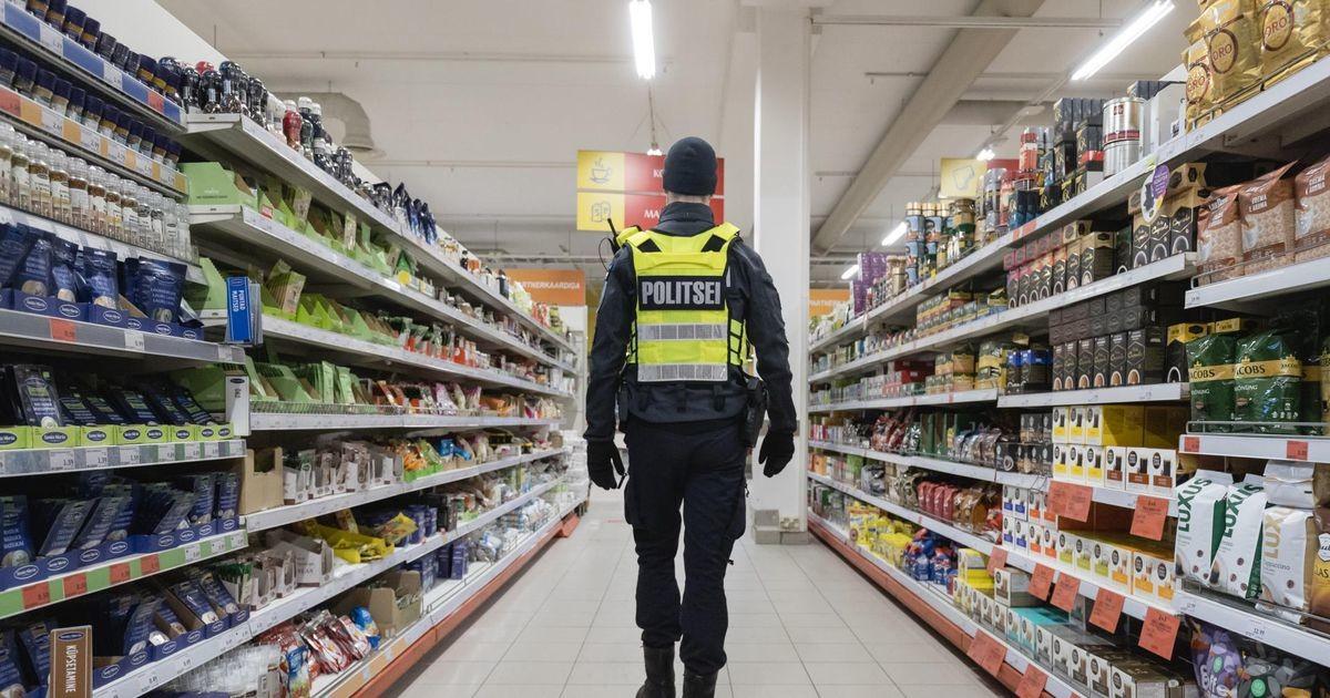 Рейд полиции: в трех магазинах выявлены нарушения