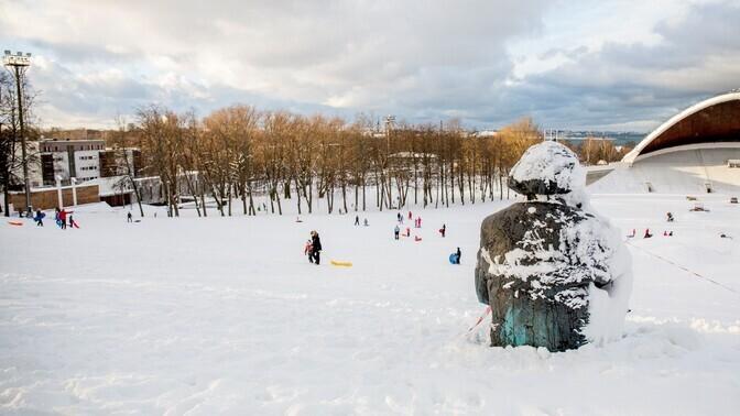 Катание с горы на санках и лыжах - основная причина обращений детей в травмпункт
