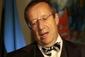 Тоомас Хендрик Ильвес призвал запретить россиянам  въезд в Европейский Союз