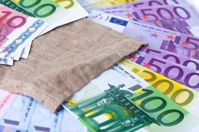 Покидающие вторую пенсионную ступень выведут из фондов Swedbank 500 млн евро