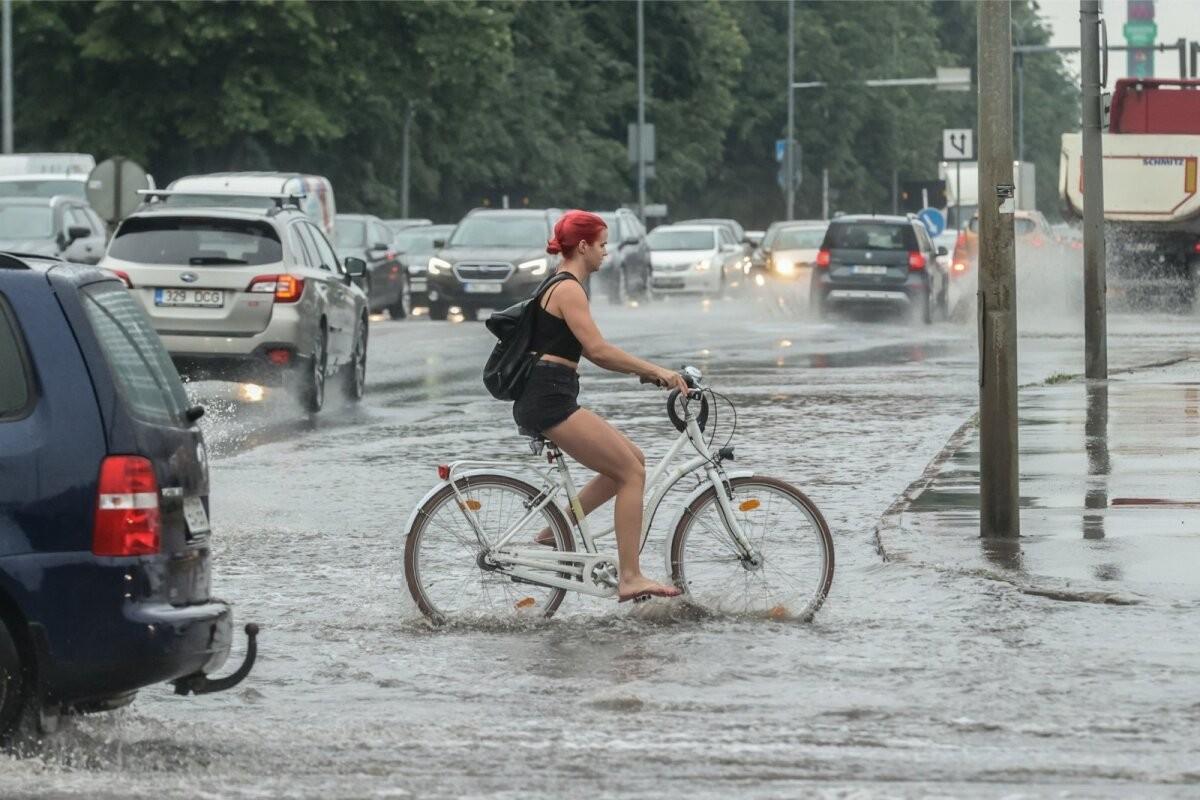В районе катастрофы на западе Германии возможна эвакуация из-за новых осадков