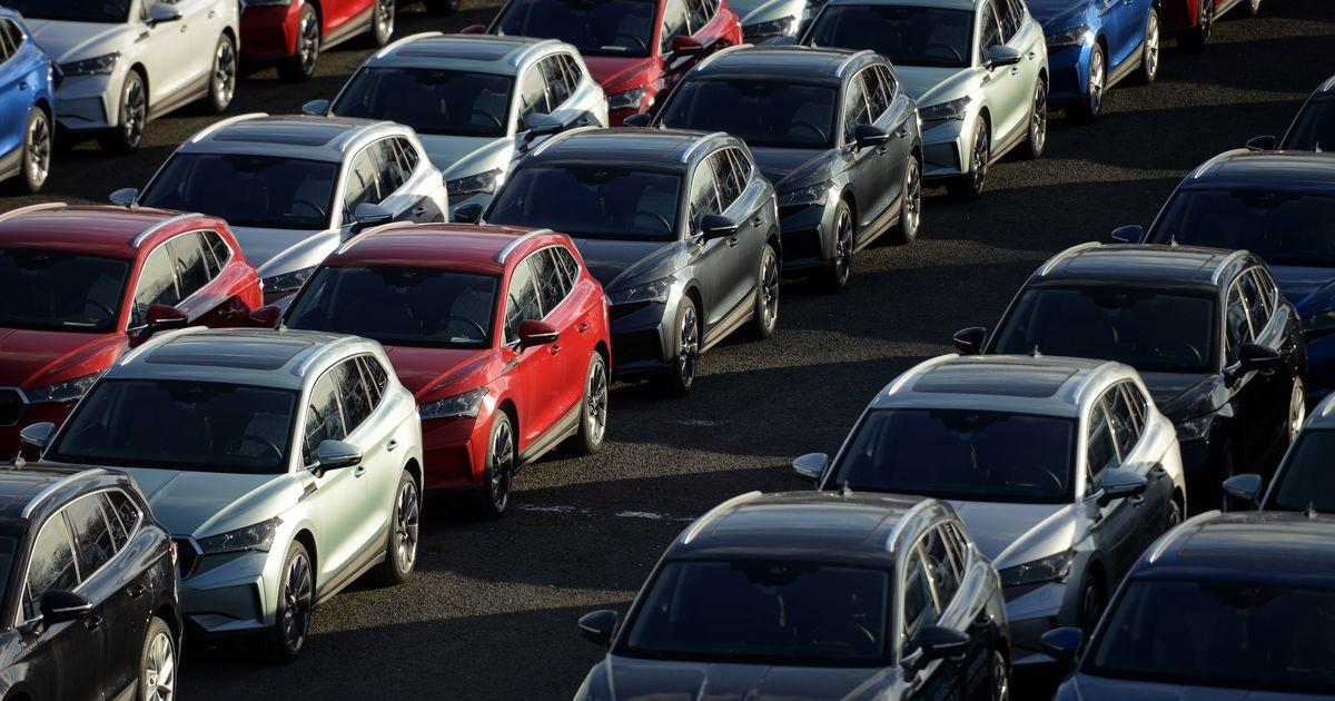 Чехия пойдет наперекор Европарламенту и не станет отказываться от машин с ДВС