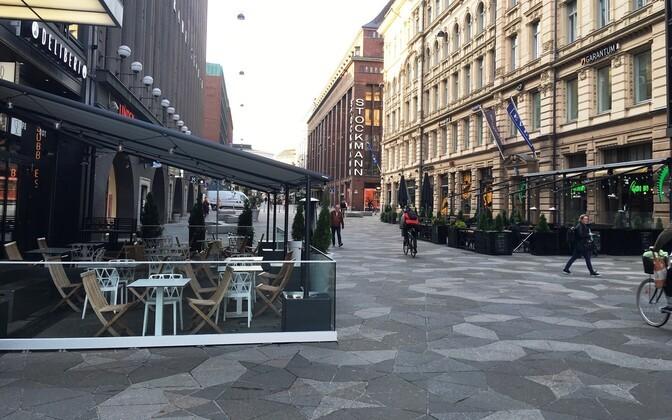Закрытие ресторанов в нескольких районах Финляндии продлили до 18 апреля