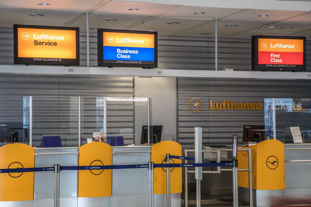 Сотрудники Lufthansa не пустили на борт гражданку Эстонии, летевшую из Шотландии в Таллинн на похороны матери