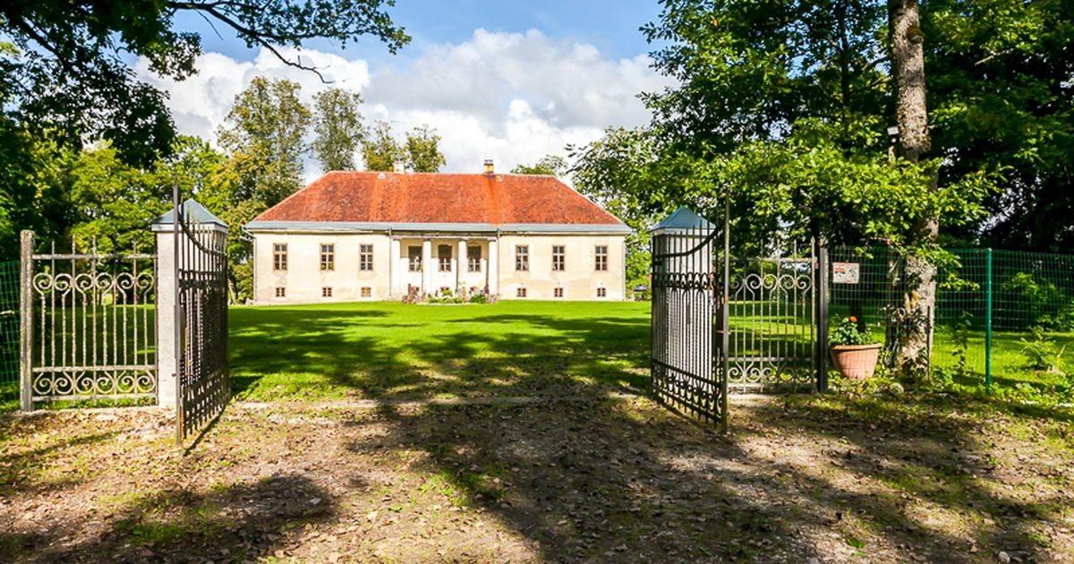 Продается кусочек истории: эта жемчужина классической архитектуры расположена в Рапламаа