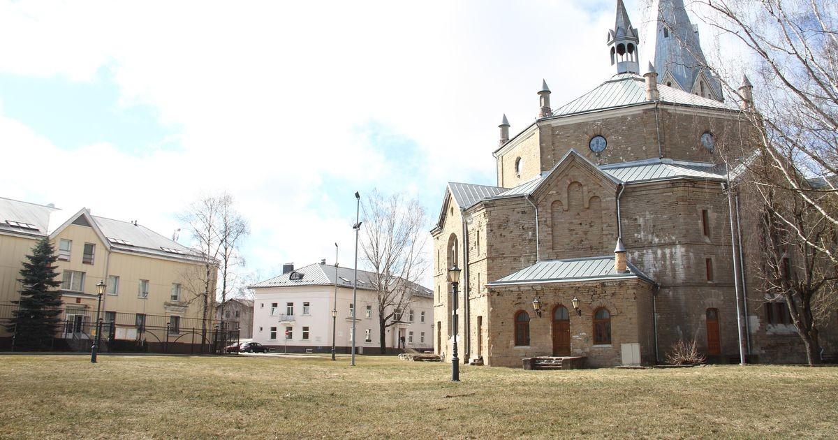 В Нарве обсудили идею установить памятник жертвам коммунизма перед Генеральным консульством России