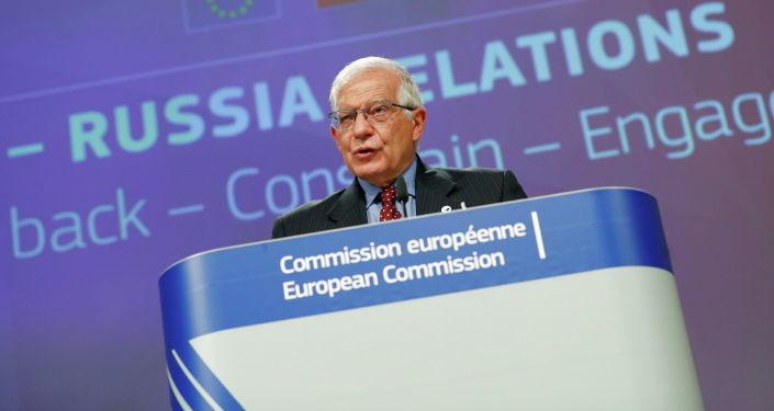 """Давайте жить дружно: глава дипломатии ЕС призвал к """"менее конфликтным"""" отношениям с РФ"""