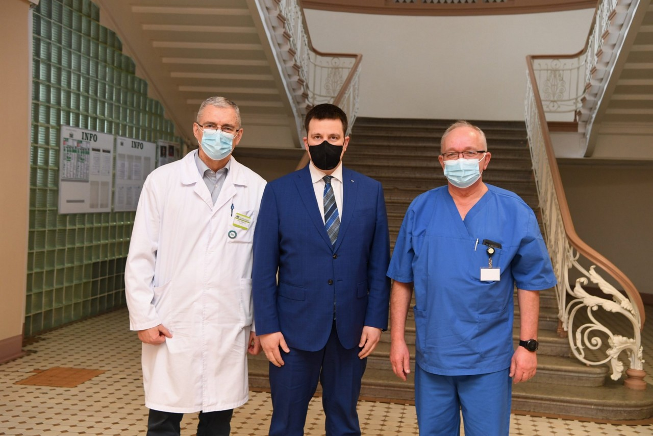 Юри Ратас в Нарве: цель - преодолеть вызванный коронавирусом кризис